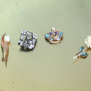 Vintage Lot of Four Small Brooches Pins Rose